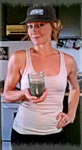 Green smoothie instead of frozen garbage? Yes, please!